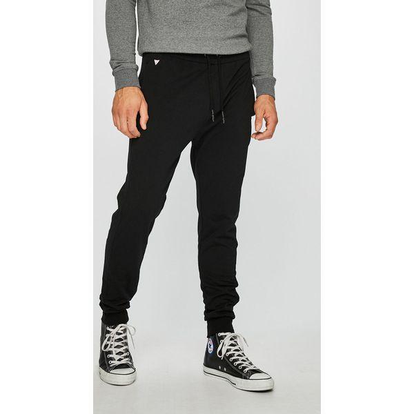 fc889de2ed388 Wyprzedaż - spodnie damskie marki Guess Jeans - Kolekcja wiosna 2019 -  Sklep Radio ZET