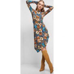 0a6300a0cf Asymetryczna sukienka w kwiaty. Niebieskie sukienki damskie marki Orsay