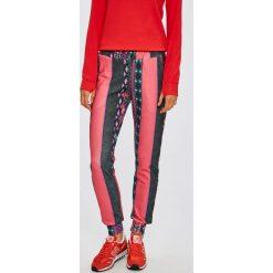 7c0fe2bd54a2 Różowe spodnie dresowe damskie Answear.com - Kolekcja zima 2018 ...