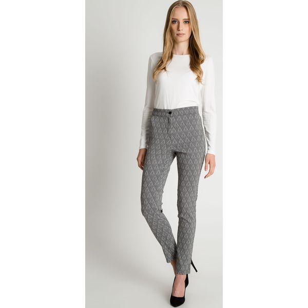 d32bdf3b7cf8a4 Klasyczne spodnie w kant z kieszeniami na przodzie BIALCON - Szare spodnie  materiałowe damskie BIALCON, z tkaniny, eleganckie, z podwyższonym stanem.