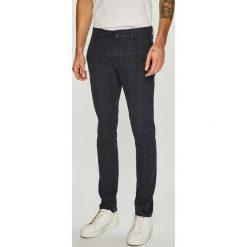 8bf213c33dea2 Wyprzedaż - spodnie męskie marki Guess Jeans - Kolekcja wiosna 2019 ...