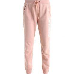 eff256003 Abercrombie & Fitch DOORBUSTER JOGGER Spodnie treningowe misty rose.  Czerwone spodnie dresowe damskie marki Abercrombie ...