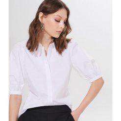 Białe koszule damskie ze sklepu Mohito Kolekcja zima 2020  ErvUE