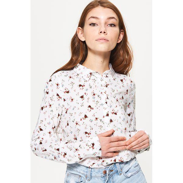 32b51c79f872 Wzorzysta koszula - Kremowy - Koszule damskie marki Cropp. W ...