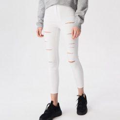 e020f18aa00f9 Spodnie damskie marki Sinsay - Kolekcja lato 2019 - Sklep Radio ZET
